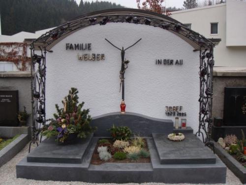 kovane-hroby-krize-pismo-brno
