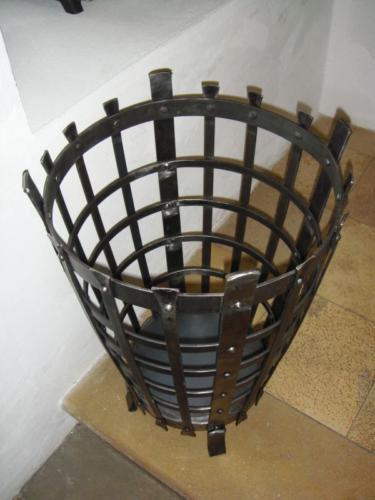 kovany-kos-na-ohnisko-stredoveke