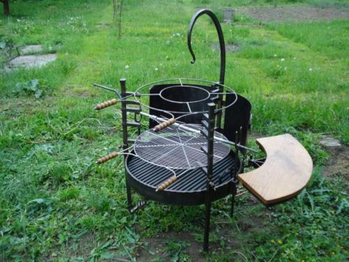 luxusni-gril-na-zahradu-bednarikovi