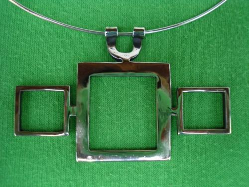 kovany-nahrdelnik-ctverec
