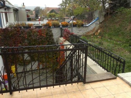 terasove-zelezne-zabradli-schody