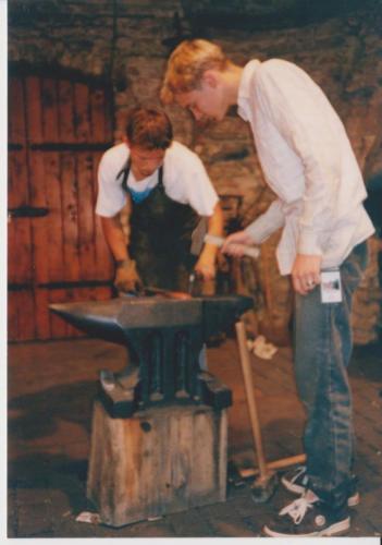 vyroba-kovaneho-snowboardisty-hefaiston-1999