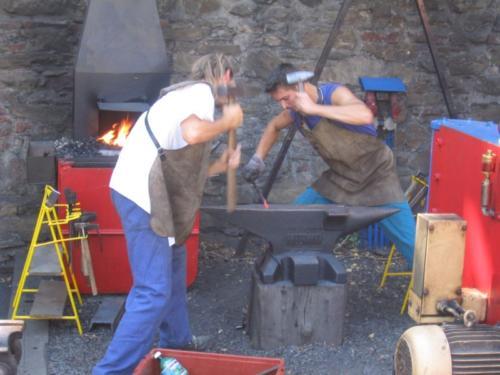 vyroba-kovane-houpacky-hefaiston-2003