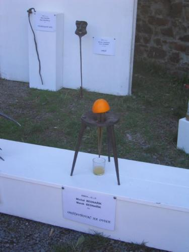 kovany-odstavnovac-na-ovoce-hefaiston-2007-bednarikovi