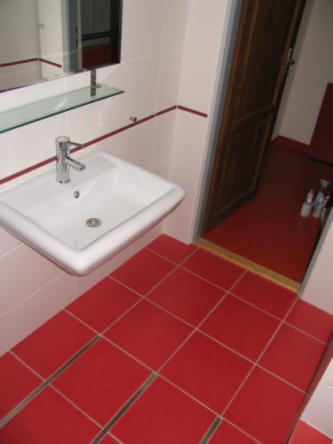 koupelnove-doplnky-brno-na-miru