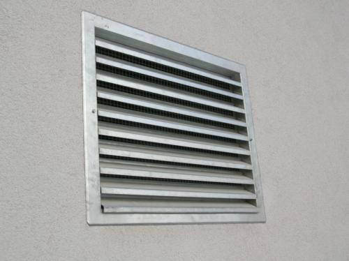 vyroba-ventilacni-zaluzie-brno-levne