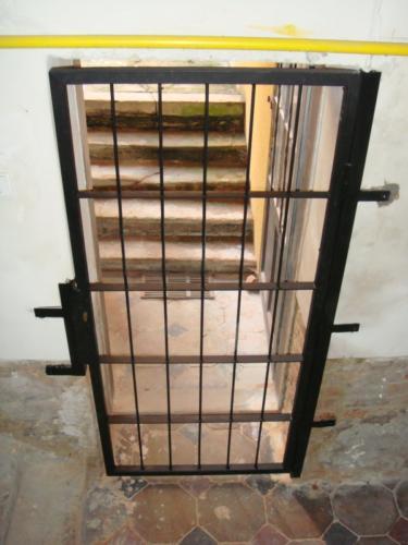 vyroba-bezpecnostnich-kovovych-mrizi-v-brne