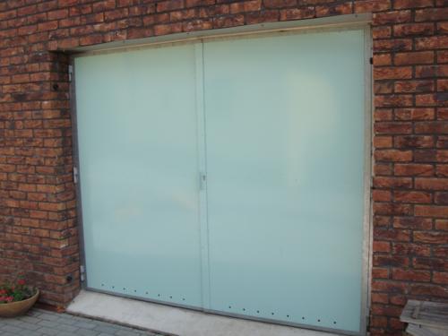 vyroba-kovovych-vrat-od-garaze