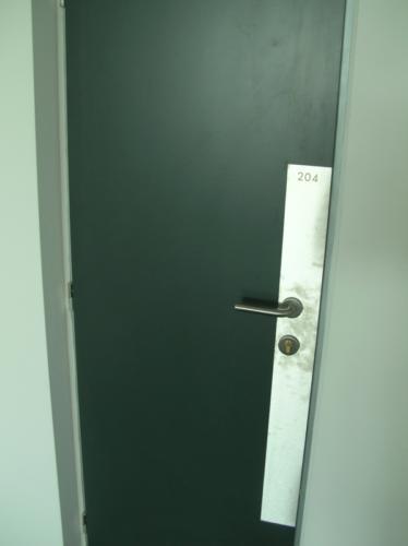 vyroba-nerezovych-plechu-ke-dverim
