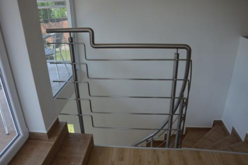 designove-nerezove-zabradli-ke-schodisti