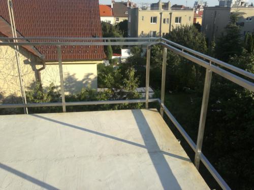 nerezove-jeklove-zabradli-na-balkon-vyroba