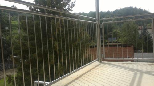 nerezove-zabradli-na-balkon-vyroba-brno