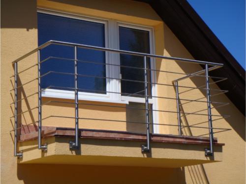 vyroba-nerezoveho-balkonoveho-zabradli-na-zakazku-v-brne