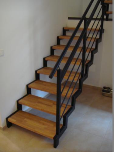 vyroba-zelezneho-zabradli-a-schodu